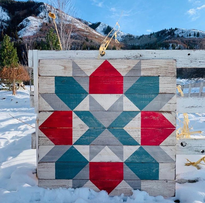 Swoony Christmas Barn Quilt