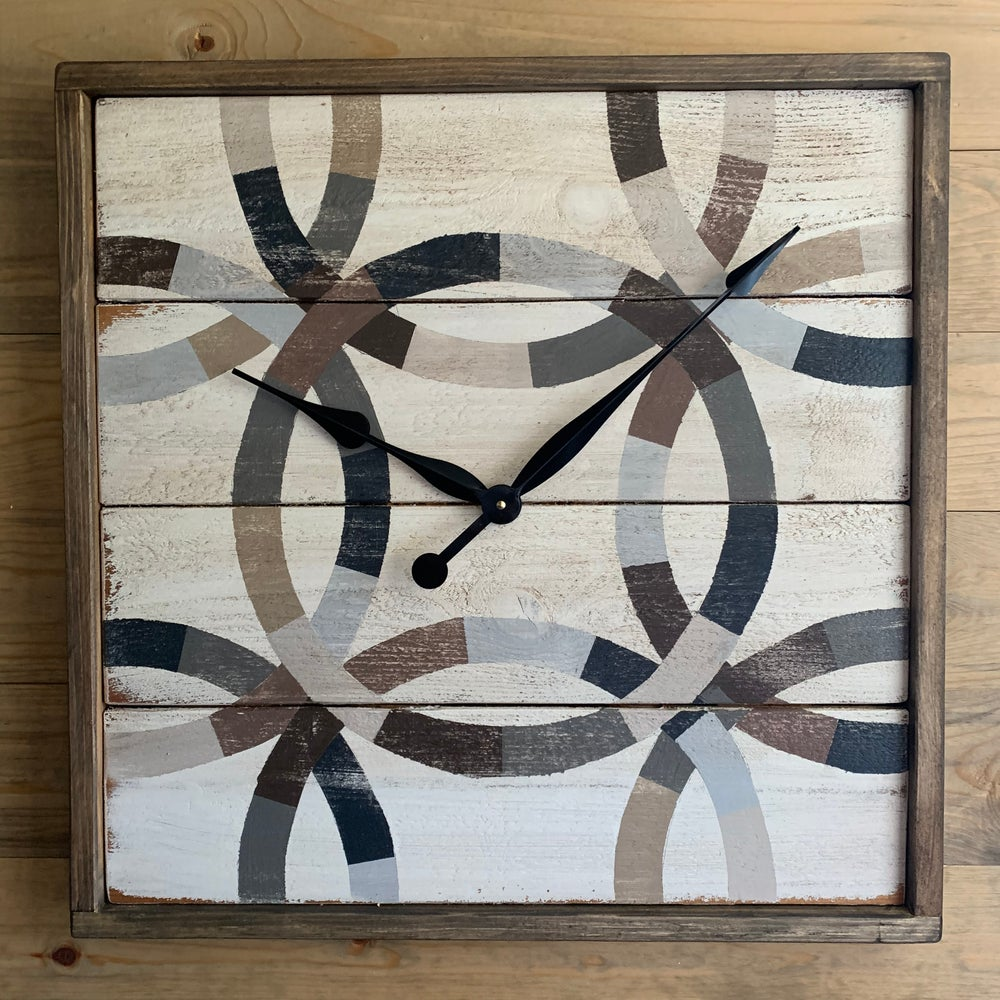 Irish Wedding Ring Barn Quilt Clock