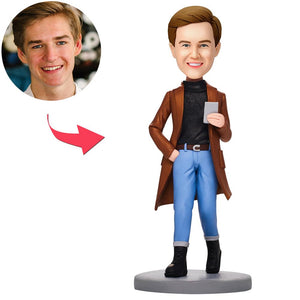 UK Sales-Caasual Fashion Man With Phone Custom Bobbleheads With Engraved Text