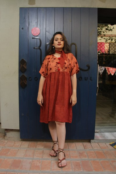 Peach Flower & Checks Malai Cotton Short Dress Along with Cool Scarf