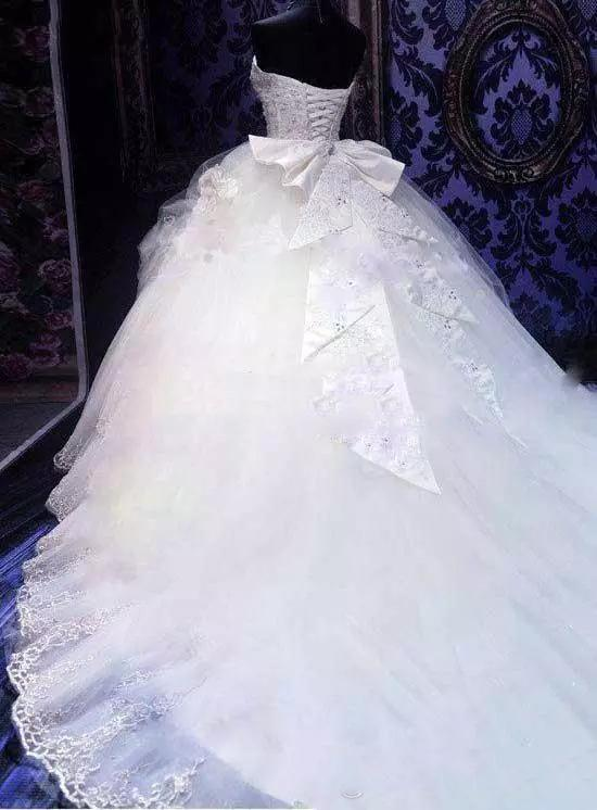 Ball Gown Wedding Dresses Sweetheart Beading Sparkly Long Train Luxury Bridal Gown JKW266