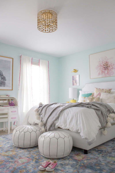 Coral and Pale Cardamom Home