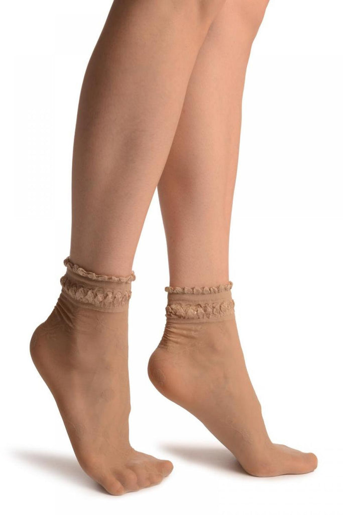 Beige With Roses And Silky Comfort Top Ankle High Socks