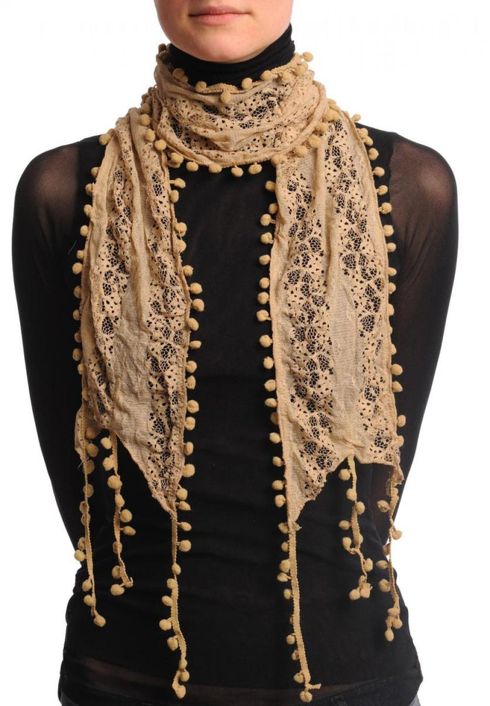 Beige Vintage Lace With Soft Pearls