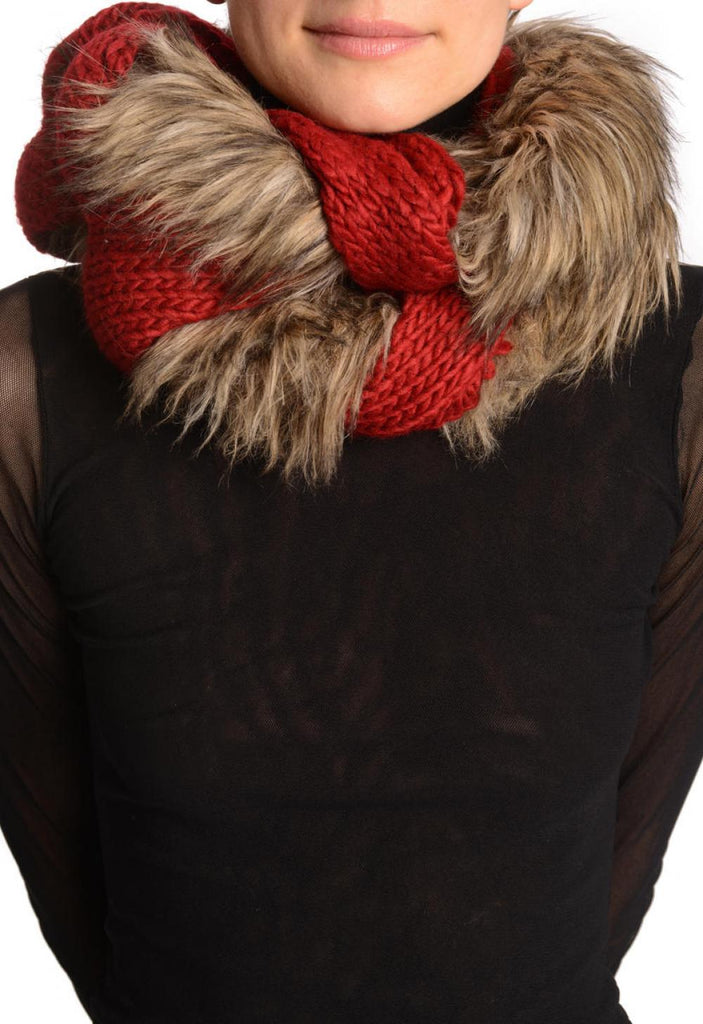 Dark Red Pink Knitted Plait Style Snood With Faux Fur