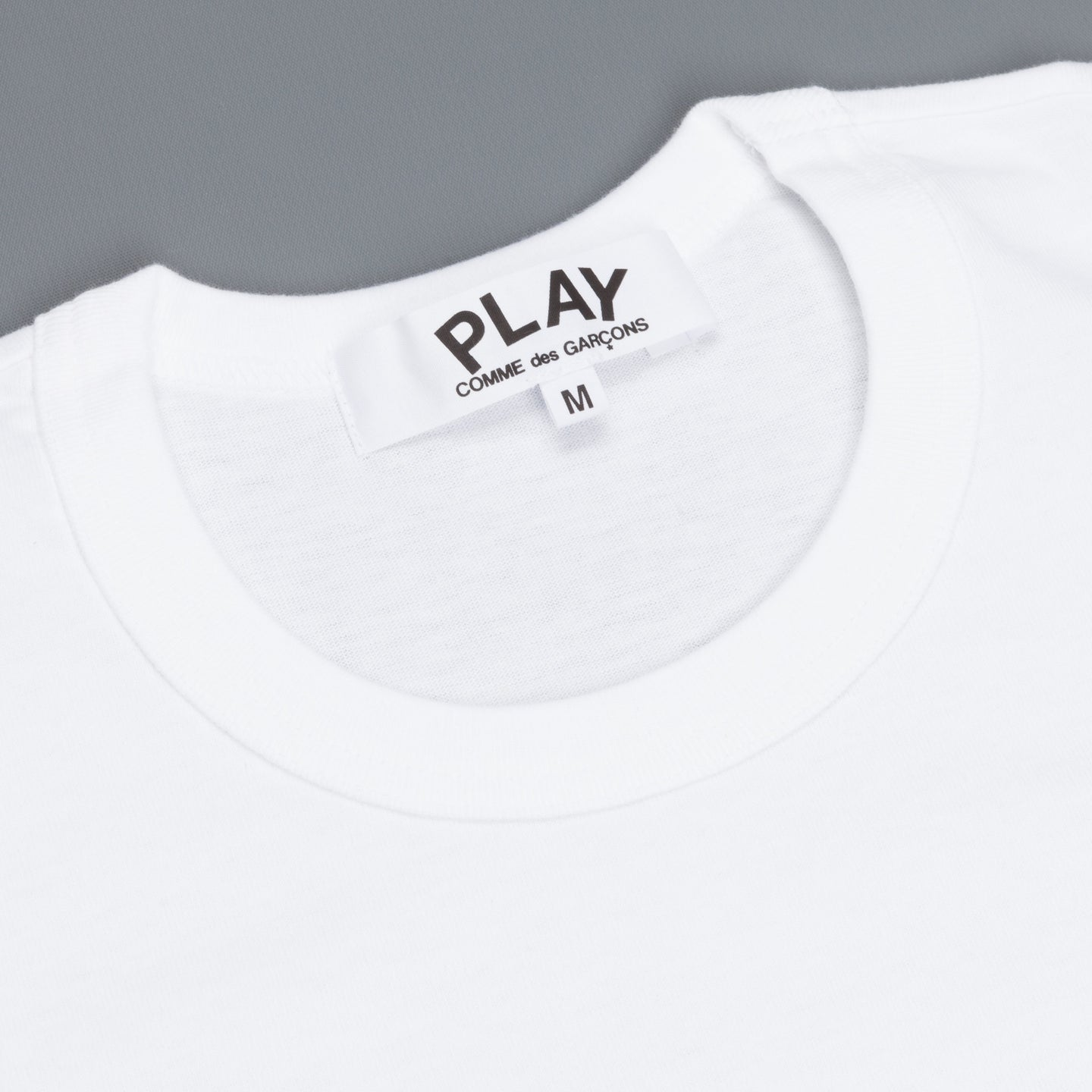 Women Play Comme des Garçons Tshirt Small Red heart White