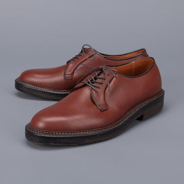 Alden plain toe blucher in brown grained leather on crepe sole