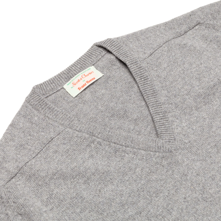 Scott and Charters x Frans Boone V neck 100% cashmere Flannel Grey
