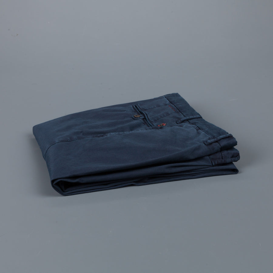 Incotex Slacks model 1st694 pleated stretch chino blu