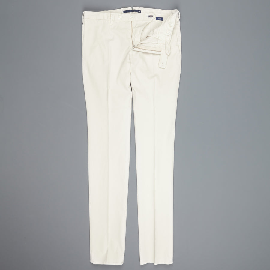 Incotex Venezia model 82 skin fit trico chino pants bianco naturale