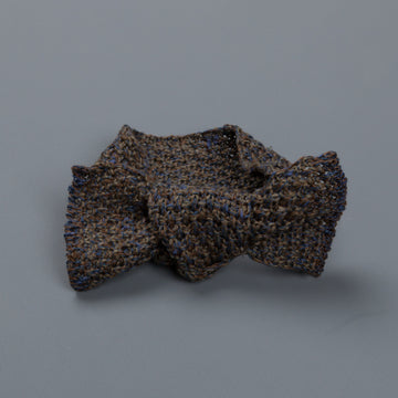 Inis Meáin Moss stitch bow tie linen silk col 11