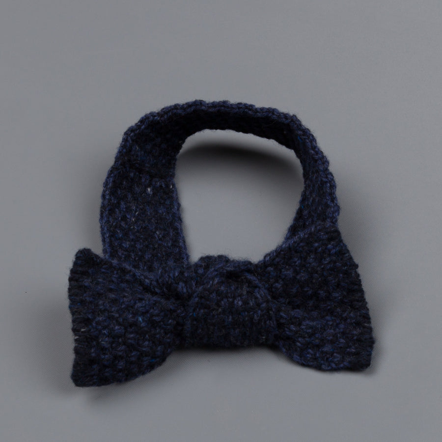 Inis Meáin Moss Stitch bow tie in wool/cashmere color 147