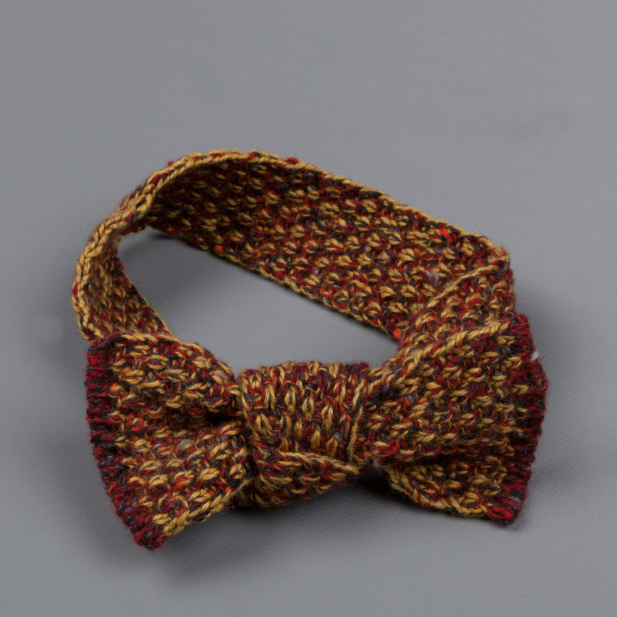 Inis Meáin Moss Stitch bow tie in wool/cashmere color 153