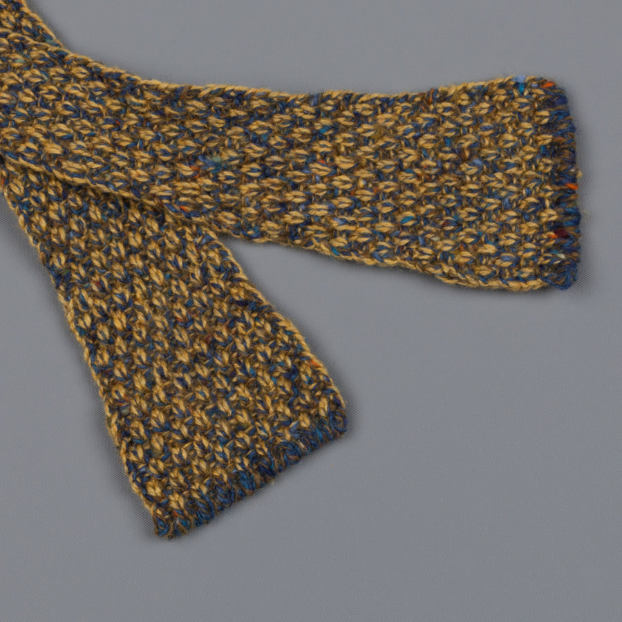 Inis Meáin Moss Stitch bow tie in wool/cashmere color 149