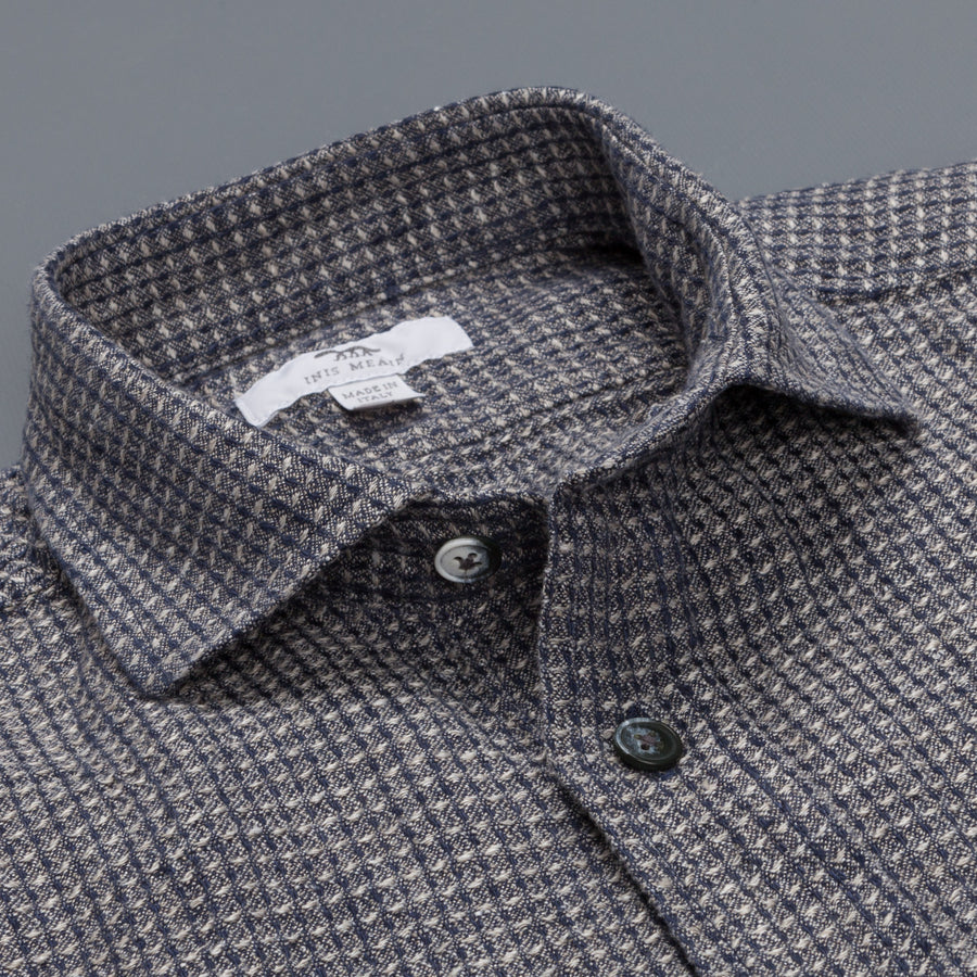 Inis Meáin linen shirt with cutaway collar in Navy white patern