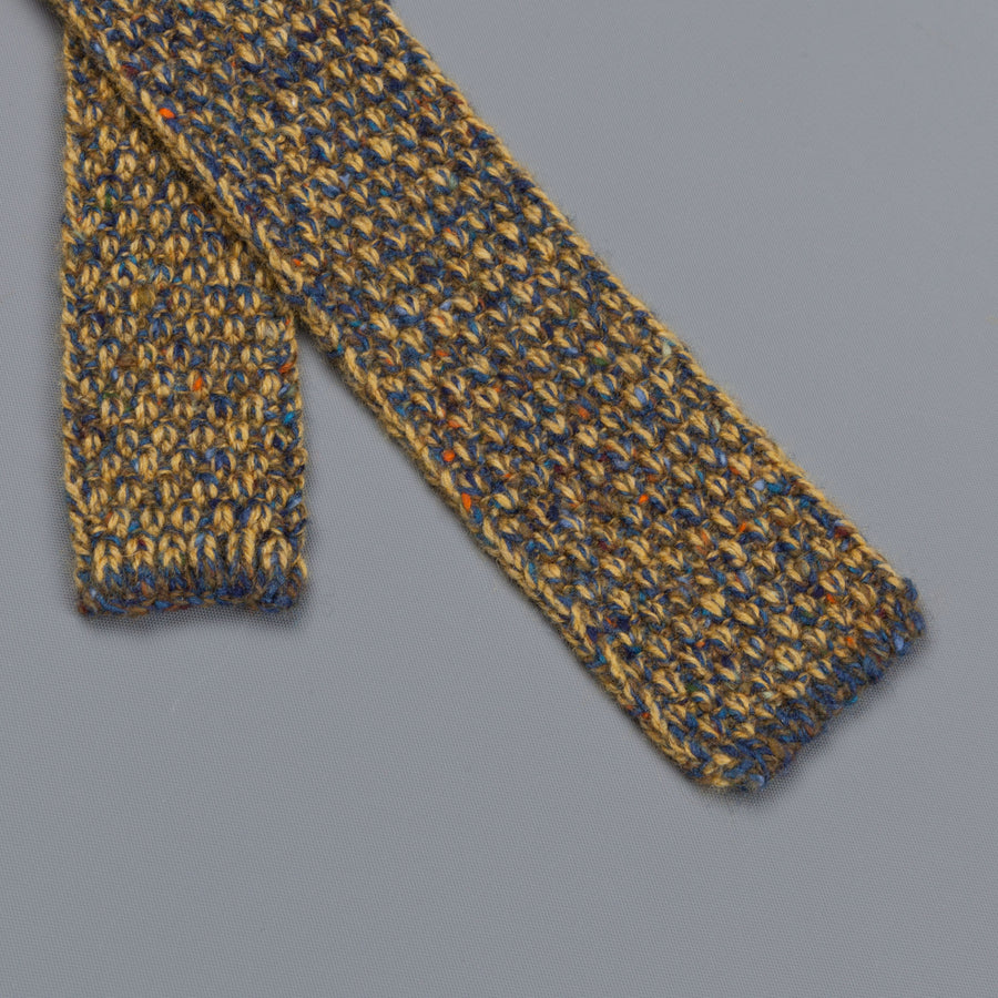 Inis Meáin Moss Stitch tie in wool/cashmere color 149