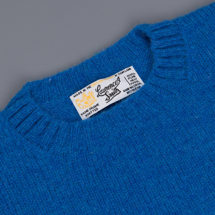 Laurence J. Smith  Super soft Seamless Crew Neck Pullover New Bright Blue