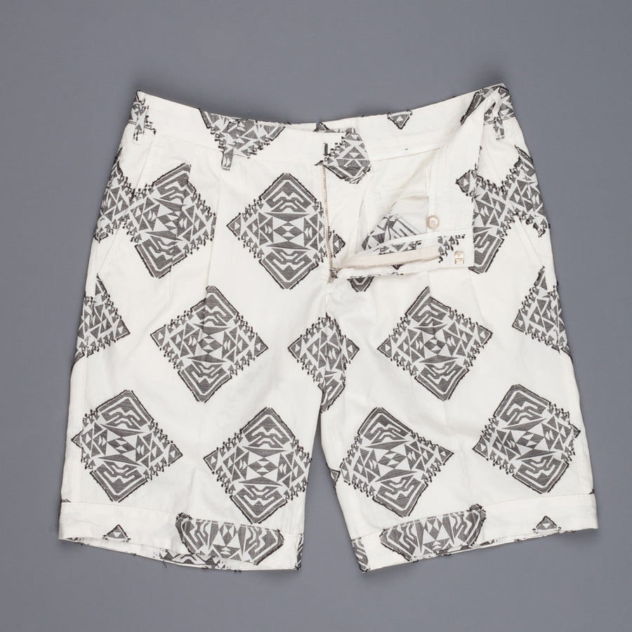 The Gigi Bali shorts off white fil coupez pattern