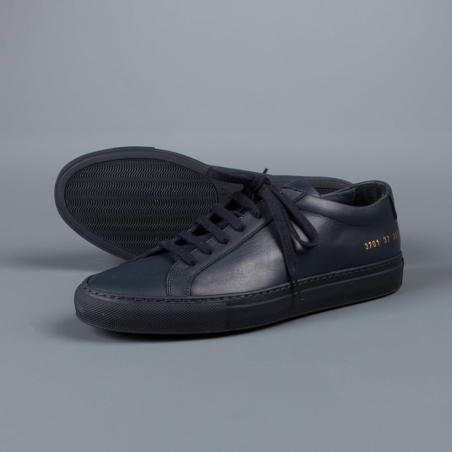Common Projects Woman by Common Projects Achilles low navy