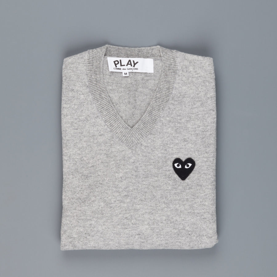 Play Comme des Garçons V neck pullover Light Grey Black heart