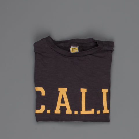 "Velva Sheen SS Crew Neck ""C.A.L.I."" Print in Black"