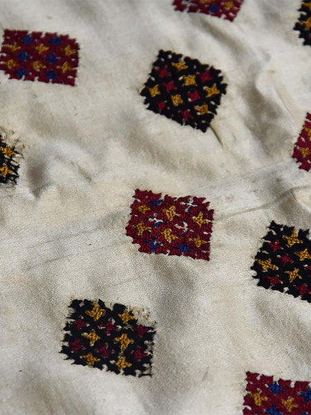 Hand embroidered, wall hanging, Chakla, Kutch (Gujarat) Bavaliyo - 1295 - ahmedabadtrunk.in