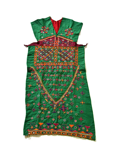Hand embroidered blouse, Kanjari, Kutch (Gujarat) Mutwa - 560 - ahmedabadtrunk.in