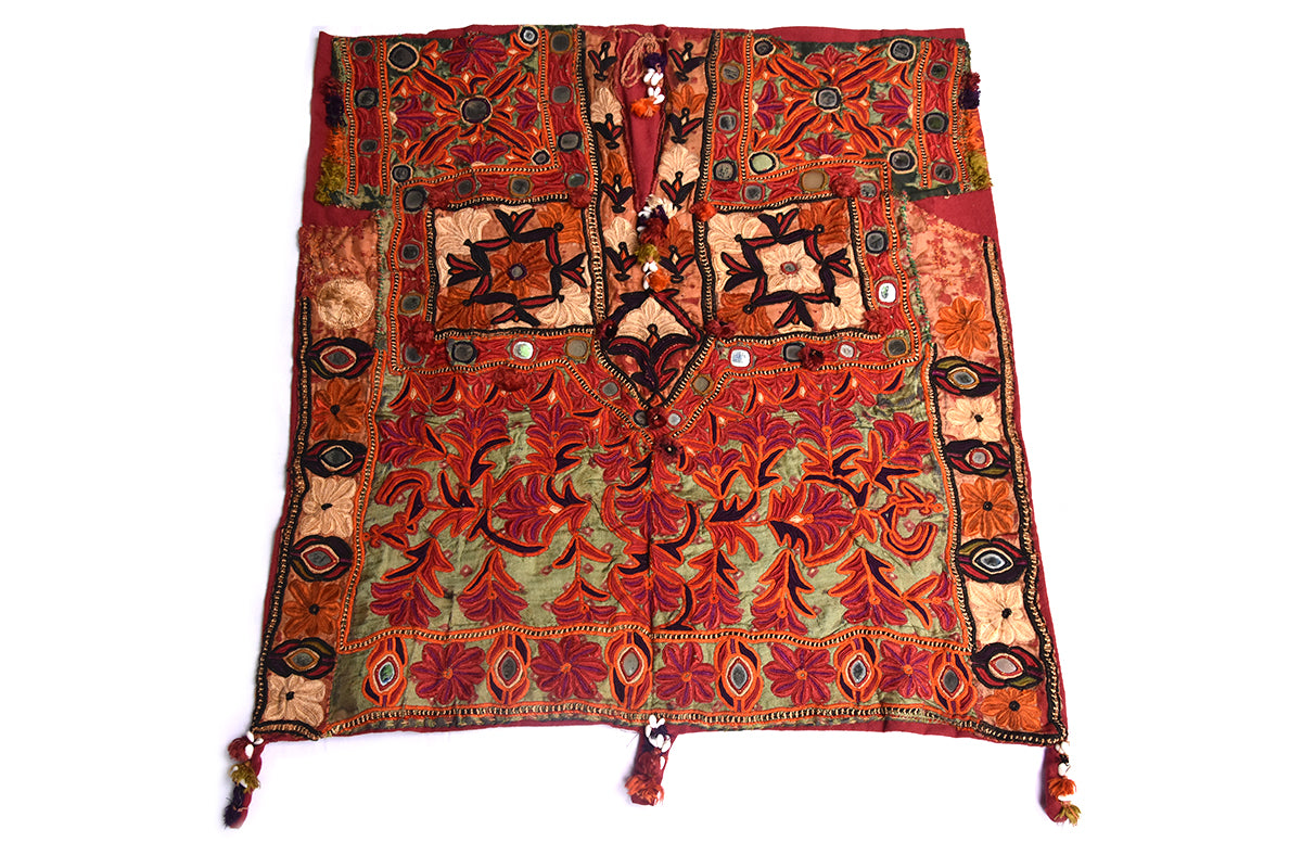 Hand embroidered blouse, Kanjari, Kutch (Gujarat) Mutwa - 927 - ahmedabadtrunk.in