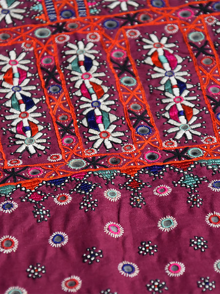 Hand embroidered blouse, Kanjari, Kutch (Gujarat) Mutwa - 551 - ahmedabadtrunk.in