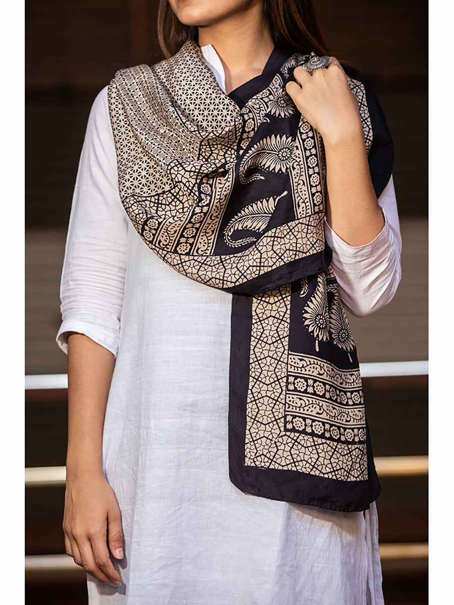 Women Bagh Print Stole Medium Black - ahmedabadtrunk.in