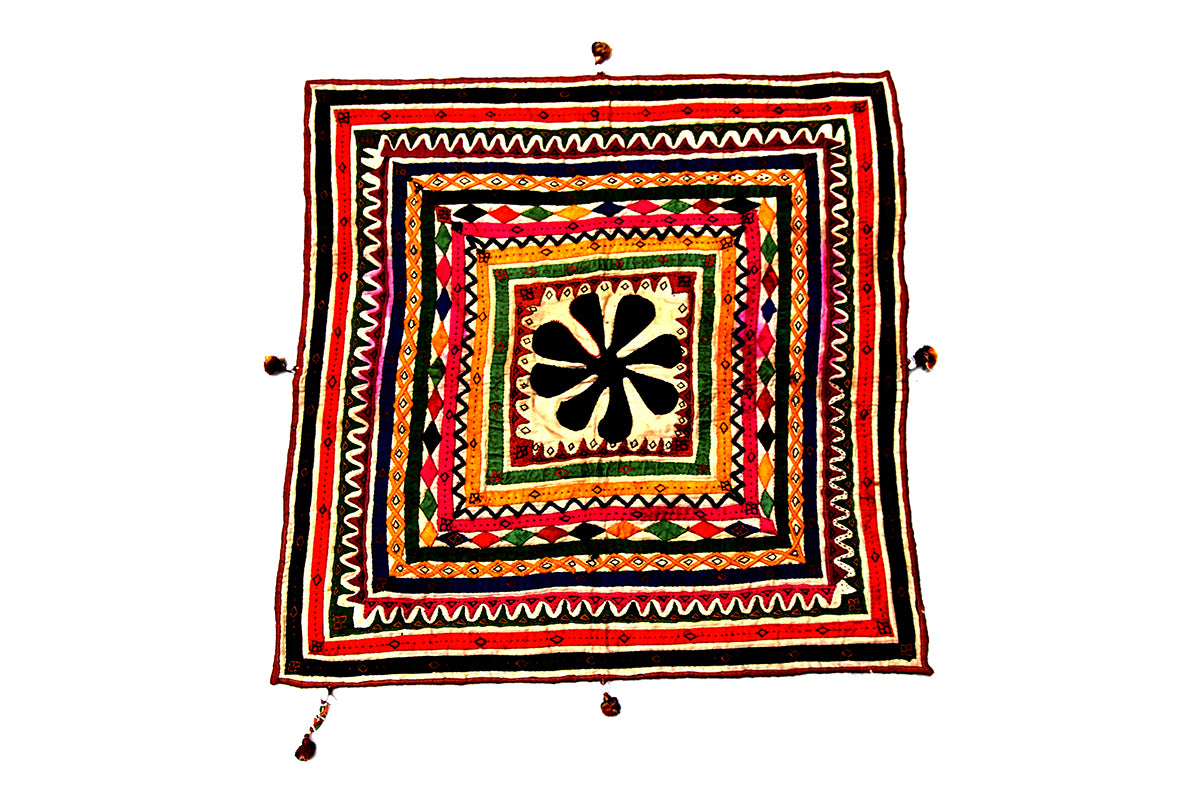 Handmade wall hanging, Chakla, Gujarat Applique - 1803 - ahmedabadtrunk.in