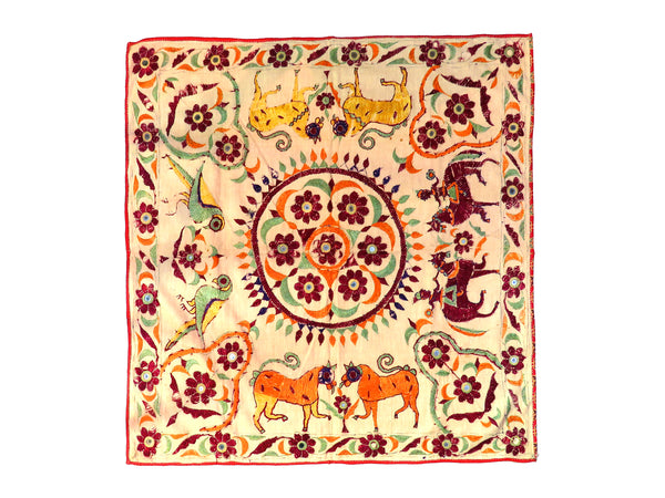 Hand embroidered wall hanging, Chakla, Kutch (Gujarat) Kanbi-791 - ahmedabadtrunk.in