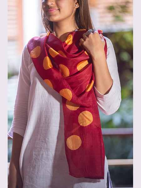 Clamp-Dye Silk Stole Orange And Red For Women - ahmedabadtrunk.in