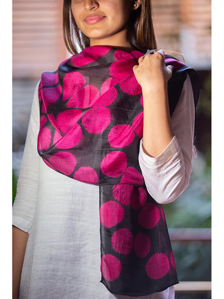 Clamp-Dye Silk Stole Pink And Black for women - ahmedabadtrunk.in