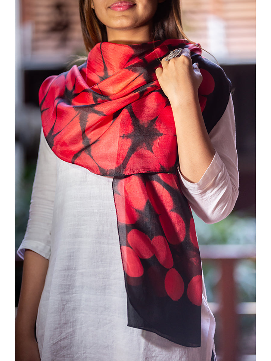 Clamp-Dye Silk Stole Red And Black for women - ahmedabadtrunk.in