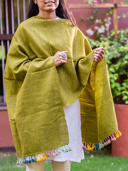 Kutchi Woolen Scarf Medium Green With Tassels for women - ahmedabadtrunk.in