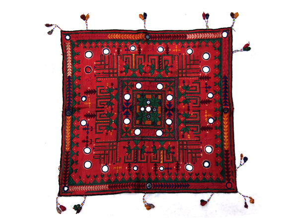 Hand embroidered wall hanging, Chakli, Kutch (Gujarat) Soof-2305 - ahmedabadtrunk.in