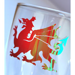 Load image into Gallery viewer, Welsh Dragon Pint Glass