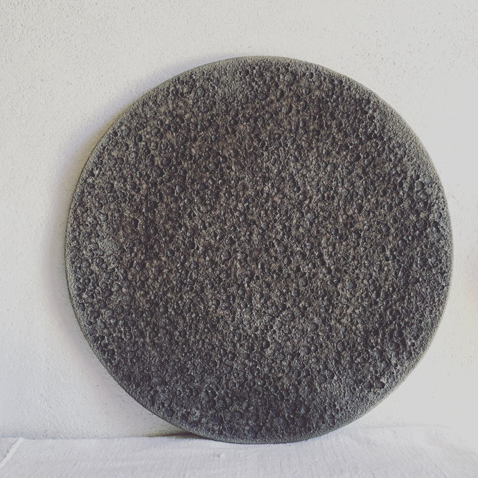 Stoneware decorative plate, contemporary ceramic handmade by Carola Barroch, Ibiza