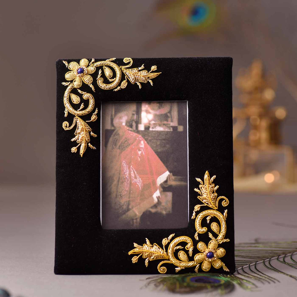 Delicate Design Wooden Photo Frame
