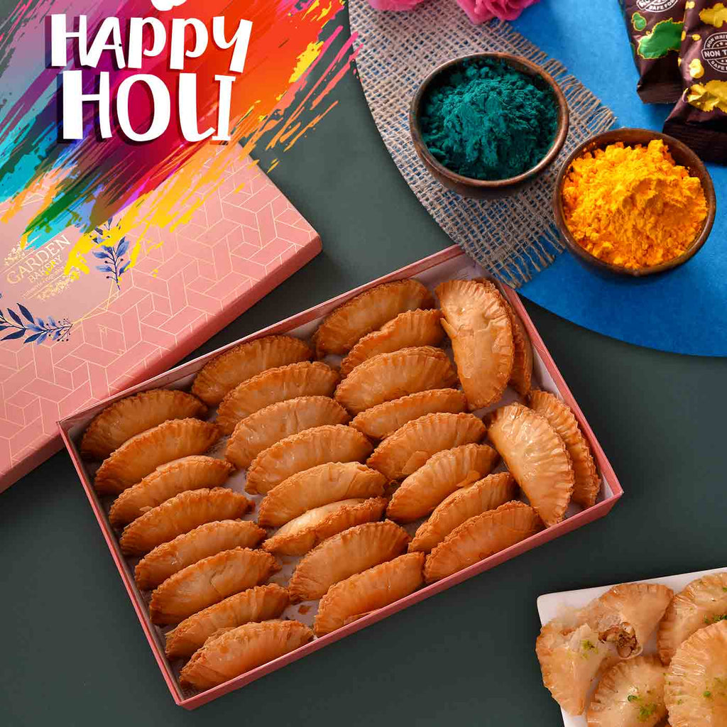 Mouthwatering Turkish Gujiya With Holi Special Fragrant Silk Gulal