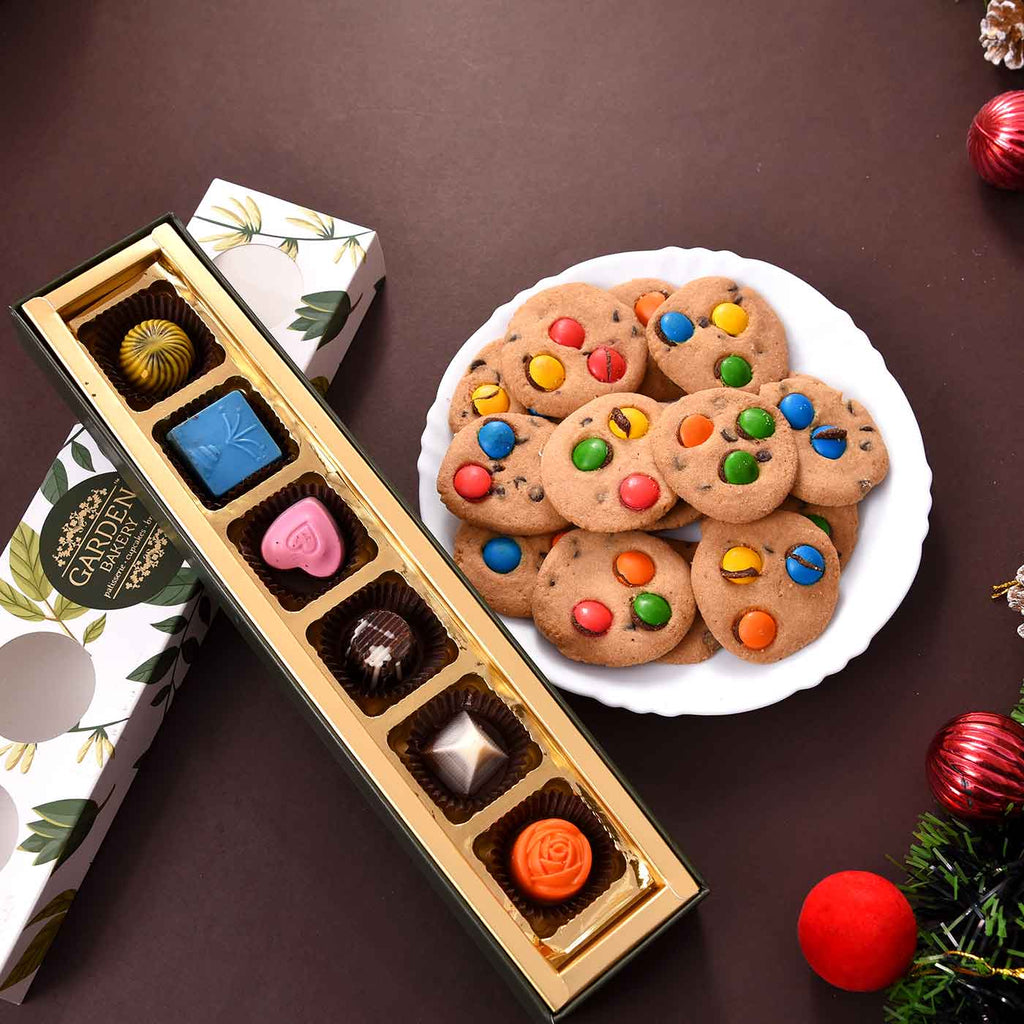Delightful Combo Of Gems Cookies & Chocolate Tray