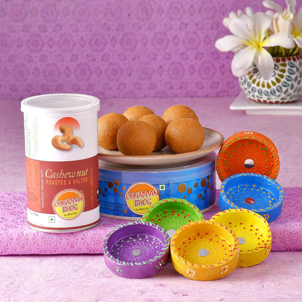 Set Of 6 Diyas With Cashewnut & Besan Laddoo