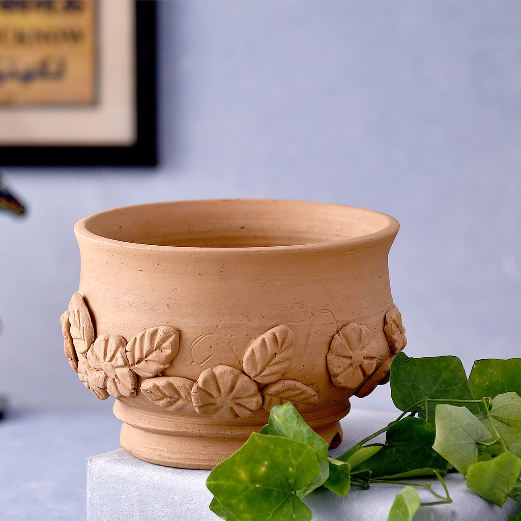 Floral Thread Round Terracotta Pot