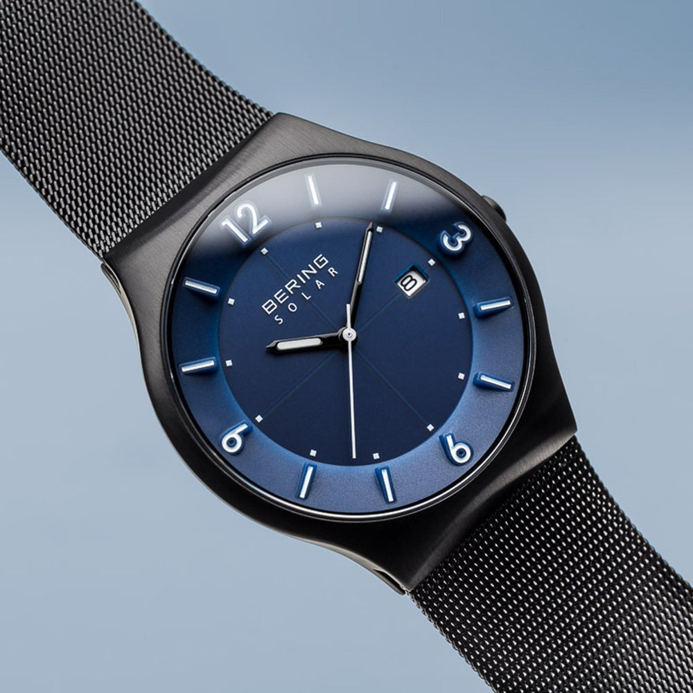 Load image into Gallery viewer, Bering Solar Brushed Black Mesh Watch