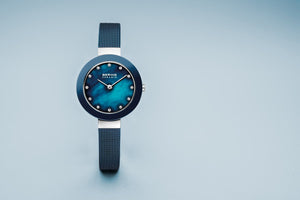 Load image into Gallery viewer, Bering Ceramic Polished Silver Blue Pearl Watch