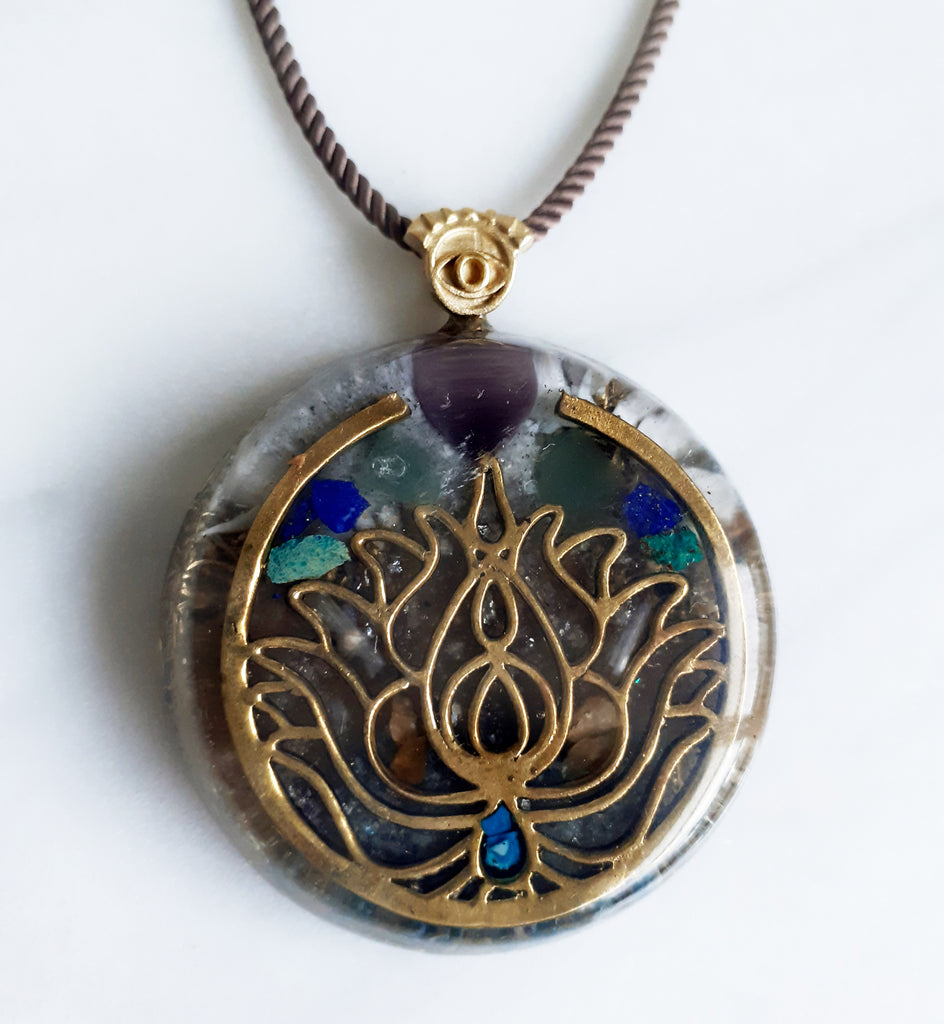 Lotus Orgonite | FeelHeal.me