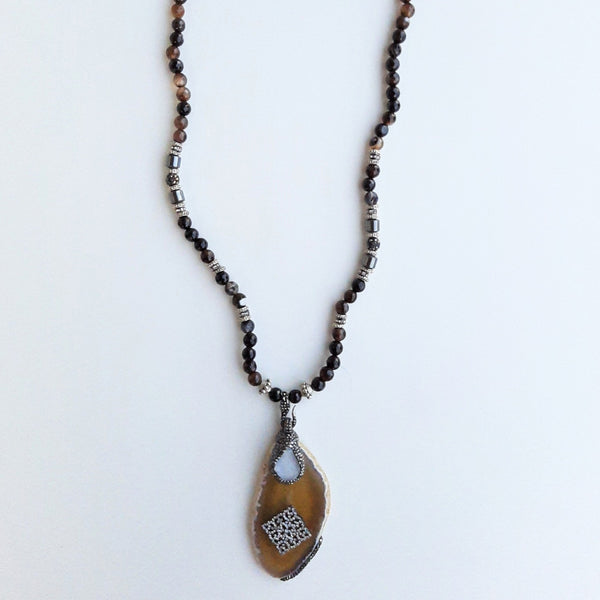 Agate Stone Mala Necklace with Zircon Details | FeelHeal.me