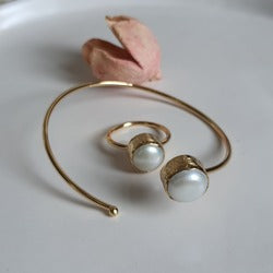 Pearl Bracelet and Ring | FeelHeal.me