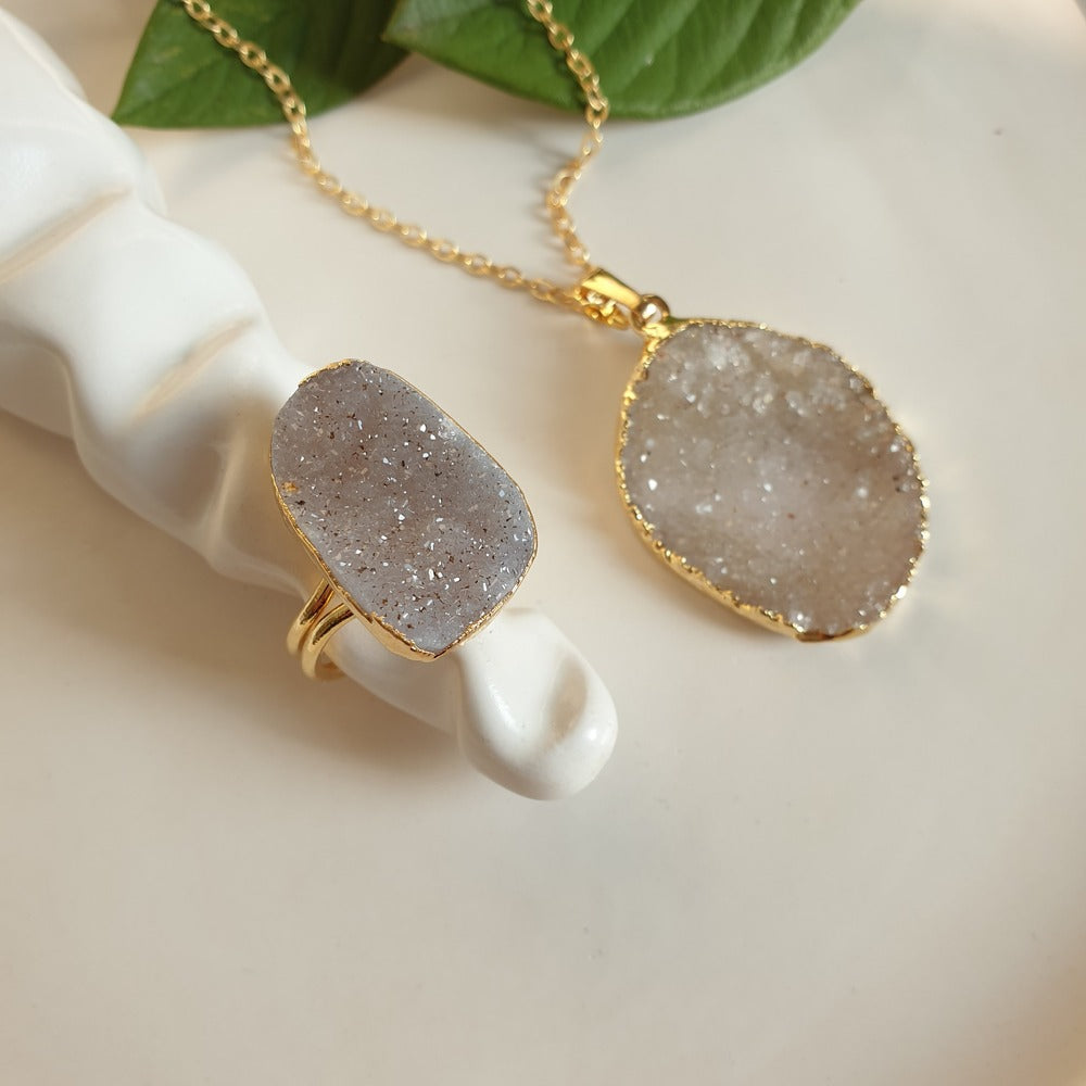 Druzy Oval Ring and Necklace | FeelHeal.me